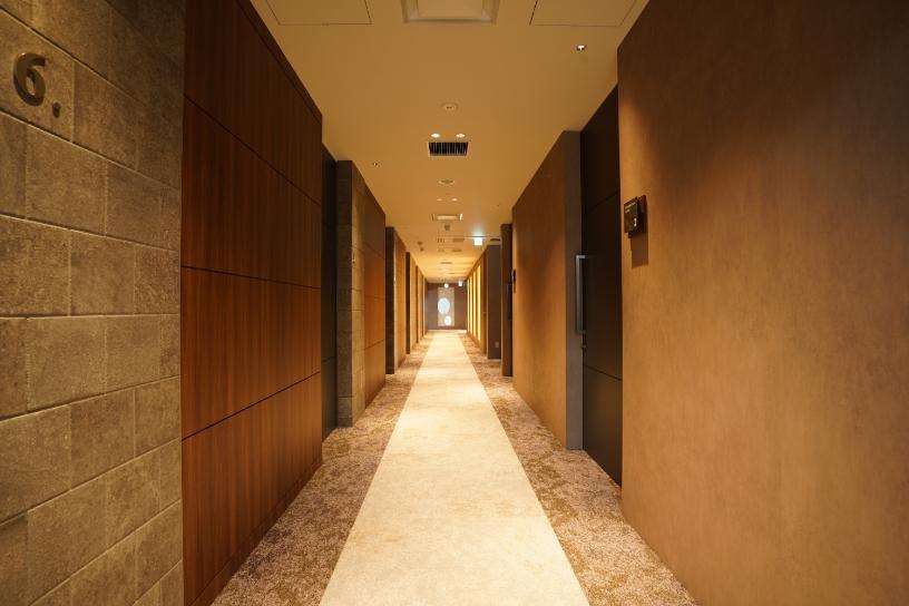 高級シティホテルのようなラグジュアリー空間